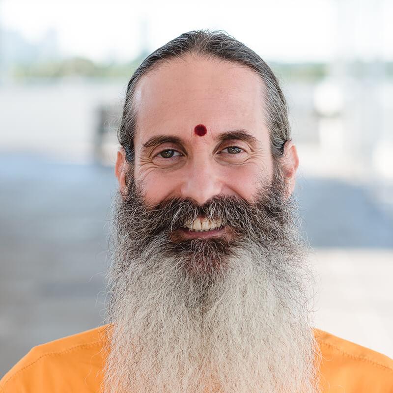 Mahamandaleshwar Mahant 108  Acharya Dayanand Das Maharaj